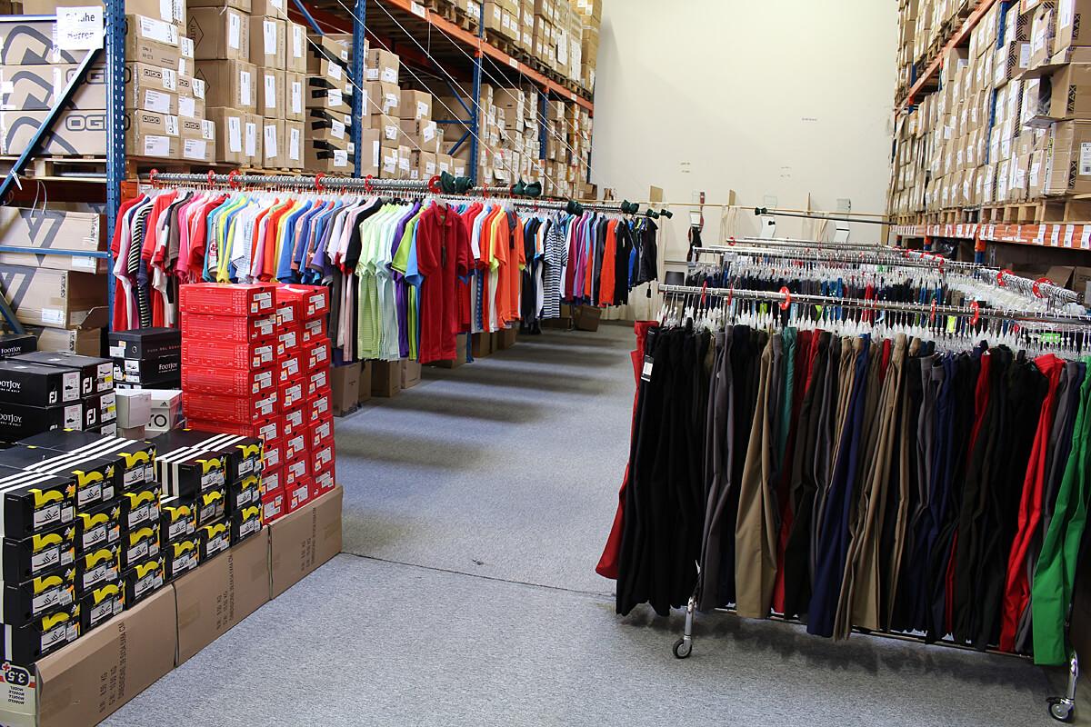 Lagerverkauf Golfbekleidung